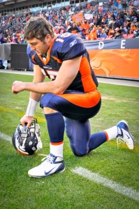 Tim_Tebow_Tebowing